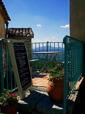 Tourtour, vue depuis le restaurant La Mimounia