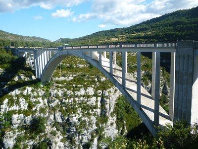 Le Pont de l'Artuby dans les Gorges du Verdon