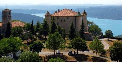 Le château d'Aiguines