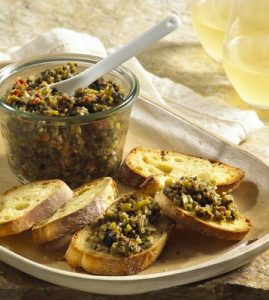Tapenade et toasts