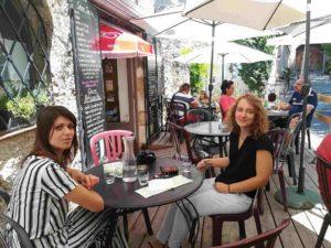 Terrasse bar in Moustiers Sainte-Marie