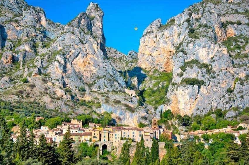Le village de Moustiers-Sainte-Marie